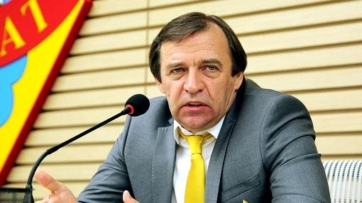 Министр спортРФ Виталий Мутко заявил ороспуске сборной пофутболу