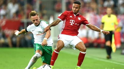 Нереальный гол Хаби Алонсо вматче Бавария— Вердер