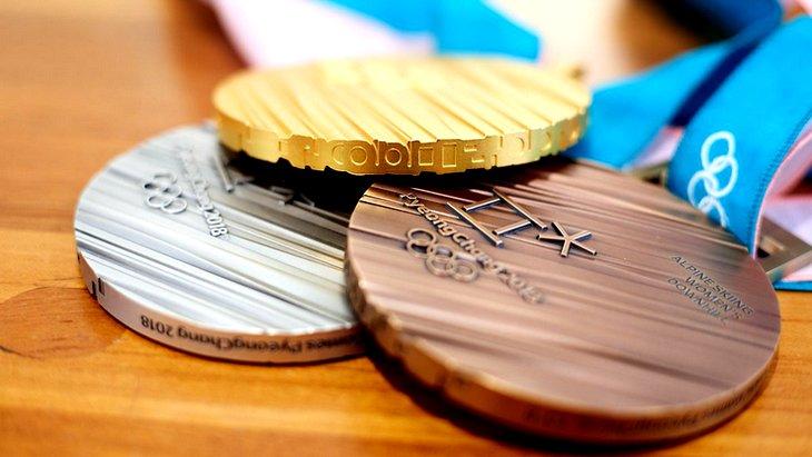 Организаторы Олимпиады-2018 представили медали Игр ...