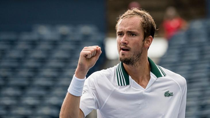 Медведев вышел в третий круг «Мастерса» в Торонто